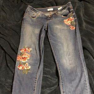 EUC Kensie Skinny Jean with Floral Detail